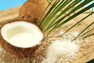 Kokosnuss gefüllt