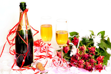 Sektgläser Flasche und Rosen