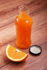 succo di arancia in bottiglia - due