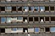 Leinwanddruck Bild - Alte, kaputte Hausfassade