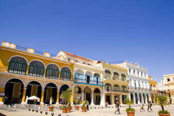 Overview of Plaza Vieja - Old Town Square