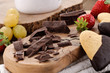 Cioccolato, biscotto e frutta