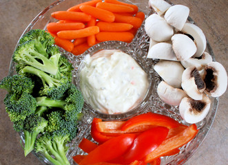 Veggie Tray With Assorted Vegetables And Creamy Dip