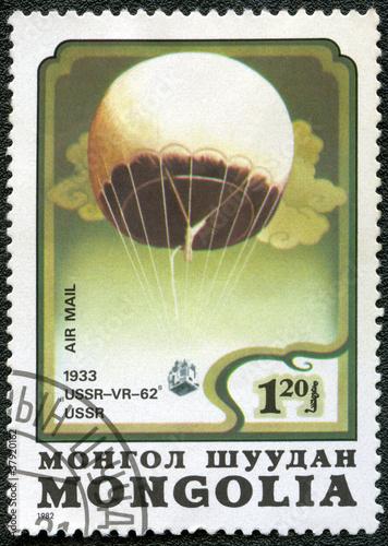 Foto Spatwand Ballon MONGOLIA - CIRCA 1982: A stamp printed in Mongolia shows stratos