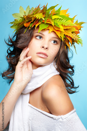 girl in autumn garland