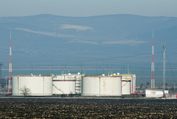 Storage tanks of petroleum products