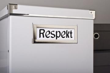 Kiste voller Respekt