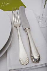 Festtafel mit Silberbesteck