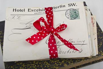Stapel alter Liebesbriefe