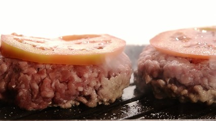 fast food, hamburger con pomodoro