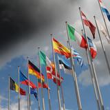 Fototapety Europaflaggen vor aufziehendem Unwetter