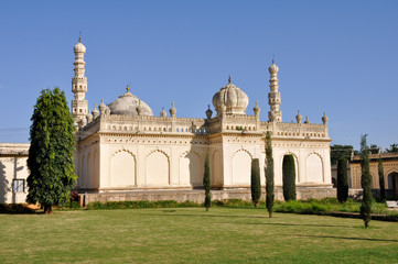The tombs of Tipu Sultan & Hyder Ali - Gumbaz, India