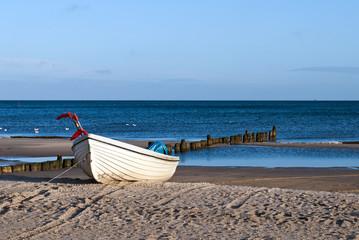 Strand und Boot