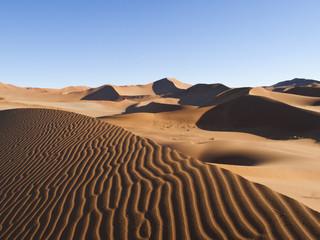Sanddünen in Wüste