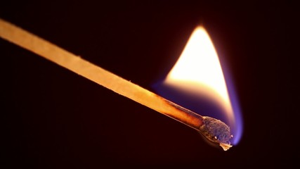 Allumettes en feu