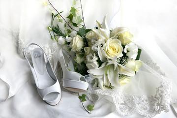 Cerca immagini fiori bianchi for Fiori bianchi profumati a grappolo