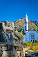 Sculpture et église de Cilaos - Ile de La Réunion
