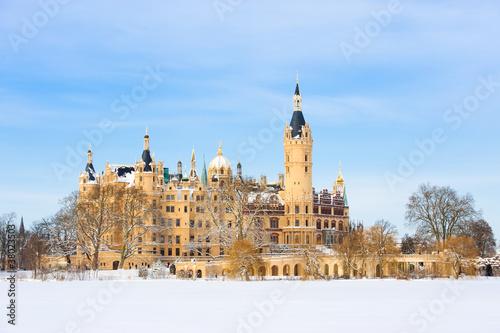 Schweriner Schloss im Winter - 38023503