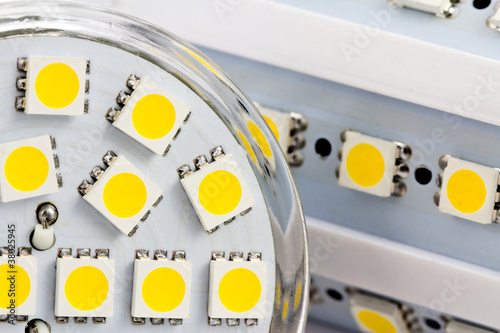 the same 3-chip LEDs on bulb E27 and GU10