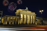 Fototapety Brandenburg gate illuminated at night in Berlin