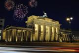 Fototapety Brandenburg gate illuminated at night in Berlin