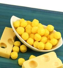Gebäck mit Käsestücken