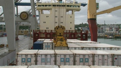 Unloading Containers
