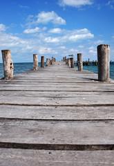 pontile di legno a cancun