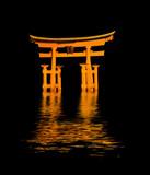 Fototapeta portal - noc - Pomnik Religijny