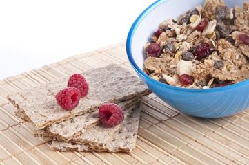 Breakfast Cereal with crispbread and raspberries
