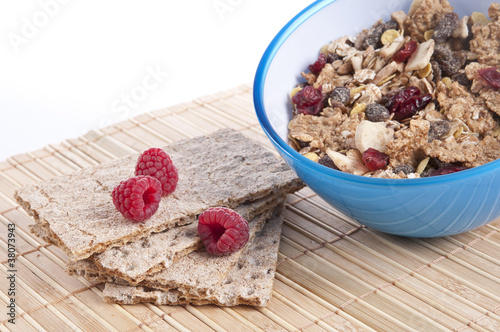 Breakfast Cereal with crispbread and raspberries