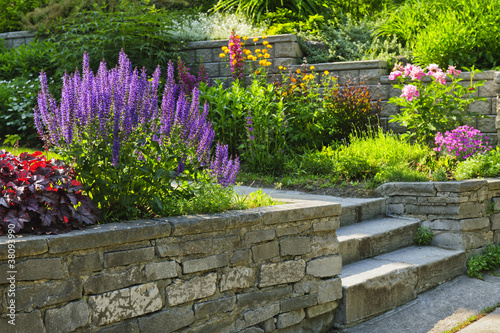 Garden with stone landscaping - 38093990