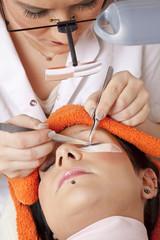 im beauty salon - Wimpernverlängerung