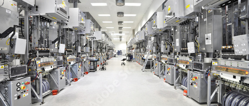 Leinwanddruck Bild moderne Industrieanlage // High Tech Fabrication
