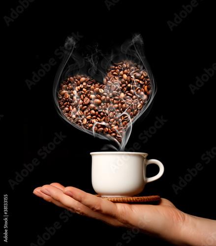 Fotobehang Koffiebonen Caffè caldo con cuore