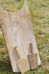 Planche à laver en bois  avec deux battoirs