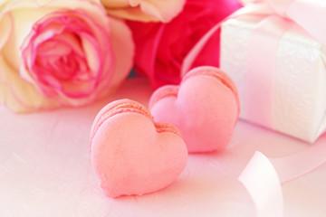 ピンクのハートのマカロン