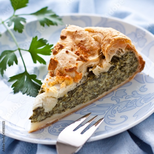 Cake with spinach and cottage cheese