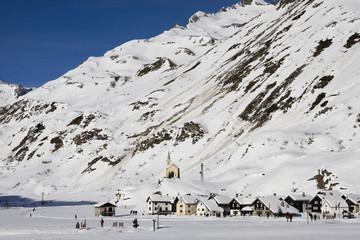 riale: villaggio in val formazza in inverno