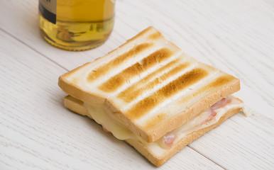 Toast con birra