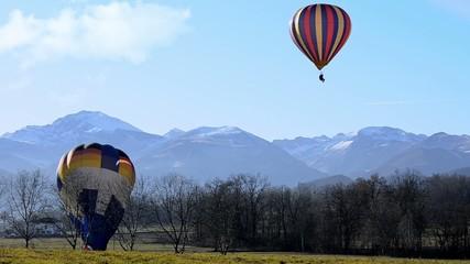 mongolfiere, volo e atterraggio