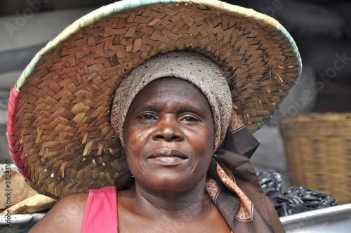 Fototapeten,frau,portrait,afrika,strohhut