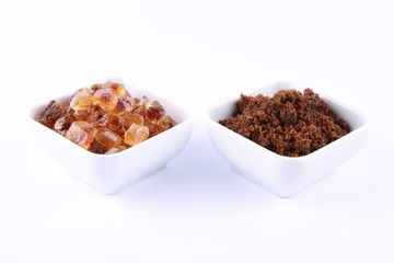 Sugar: brown and brown rock candy in bowls