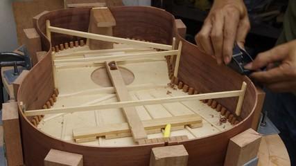 making guitar,shape side