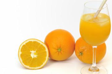 Orangensaft nit Orangen