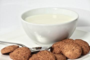 Latte e biscotti - Prima colazione - Breakfast
