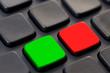 Touches verte et rouge sur un clavier d'ordinateur