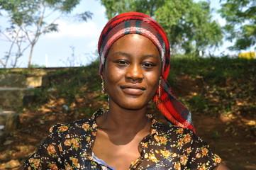Hübsche, junge Afrikanerin