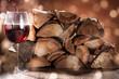 Rotwein Einschank bei gemütlichem Feuer