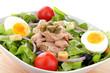 insalata di tonno con uova e cipolla